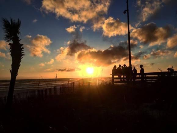 friends-in-silhouette-at-sunset-devin-mitchell-durbin